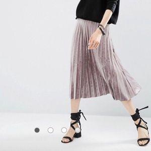 ASOS Pleated Velvet Midi Skirt Sz 2